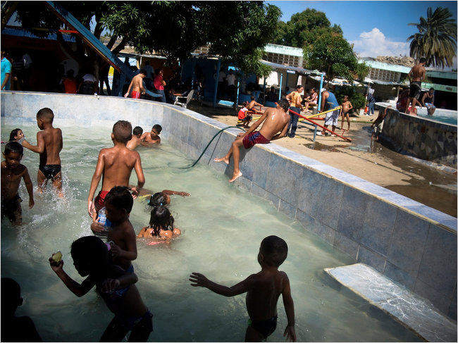 20141022 venezuela prisonpool