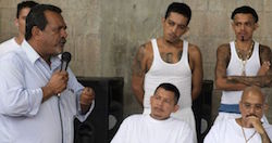 Raul Mijango speaking with gang members