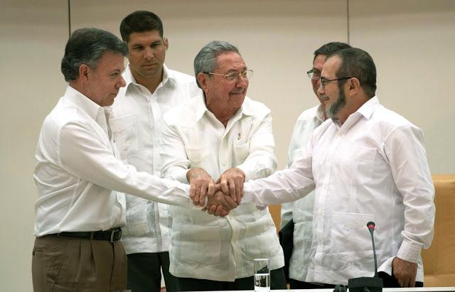 15-09-30-Colombia-handshake