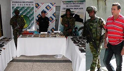 Authorities display weapons seized in Cúcuta