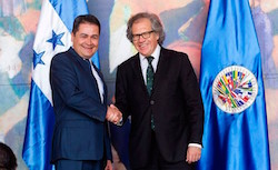 Honduras' President Hernández (left) and OAS Secretary General Luis Almagro (right)