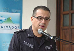 Police Commander Howard Cotto, c/o El Diario de Hoy