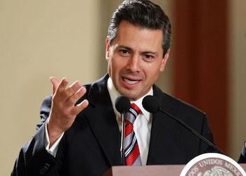 Mexico President Enrique Peña Nieto speaks to members of the armed forces