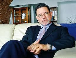 Carlos-Castresana