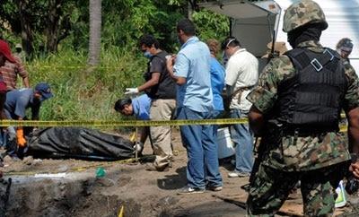Mass grave found in Durango, 2011
