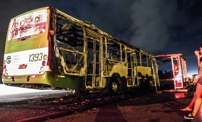 A bus torched in Santa Catarina