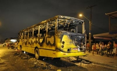 Bus hit by a Molotov cocktail in Santa Catarina