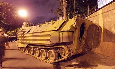 Troops occupy Complexo do Caju and Barreira do Vasco