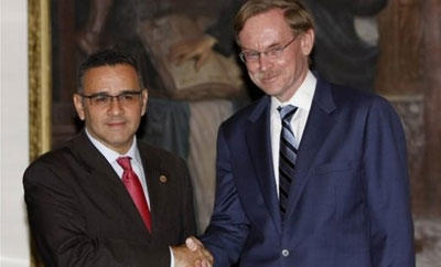President Mauricio Funes with the World Bank President