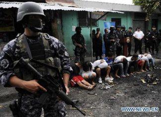 El Salvador police round up suspected gang members