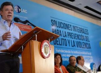 Santos speaks at citizen security conference