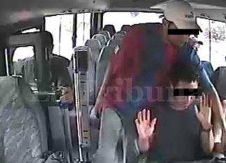 La Tribuna's image of a bus hijack
