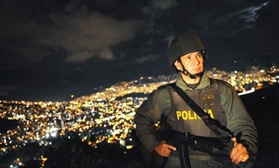 Colombian police face the growing threat of urban militias