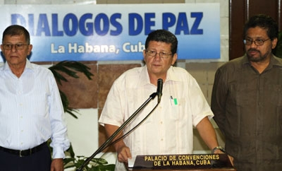 FARC delegates announcing proposals in Havana