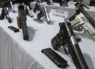 Guns recovered by security services in Cali