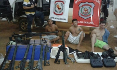 The Brazilian suspects and the firearms seized