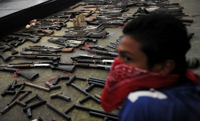 Crude Weapons Given Up By Gangs in El Salvador