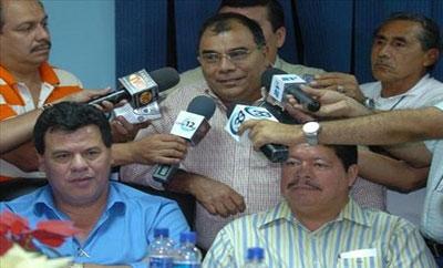 """Jose Adan Salazar, alias """"El Chepe Diablo"""" (center)"""
