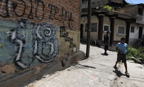 Barrio 18 graffiti in Tegucigalpa (Reuters)