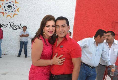 Iguala mayor Jose Luis Abarca Velazquez and his wife, Maria de los Angeles Pineda Villa
