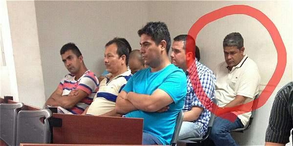 Captured Police Colonel Nestor Maestre (circled)