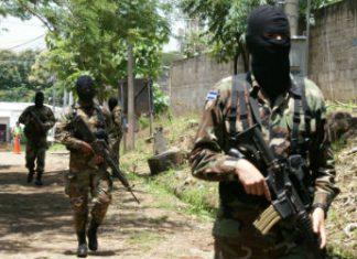 Soldiers on patrol in El Salvador