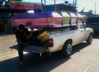 """A """"muertero"""" in El Salvador"""