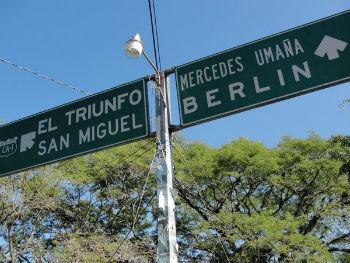 Road sign pointing to Berlin, El Salvador