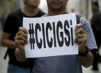A CICIG supporter on the streets of Guatemala City