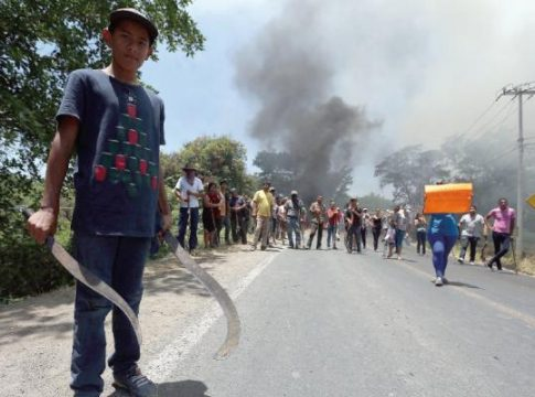 Protesters in Michoacan