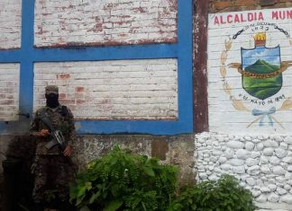 The police chief of Zacatelocua is on the run