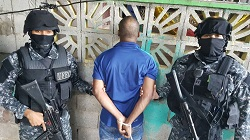Panamanian security forces' anti-gang operation