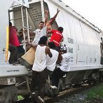 Migrants on 'The Beast' c/o Manu Ureste/Animal Politico