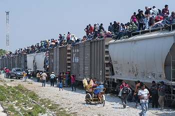 Migrants riding the dangerous Mexican train dubbed