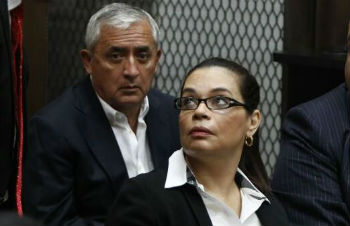 Former Guatemala President Otto Pérez Molina (left) and Vice President Roxana Baldetti