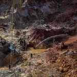 At Venezuela's Cuatro Muertos (Four Dead Men) mine, the search for gold is chaotic. (Credit: OCCRP, Photographer's name withheld for their safety)