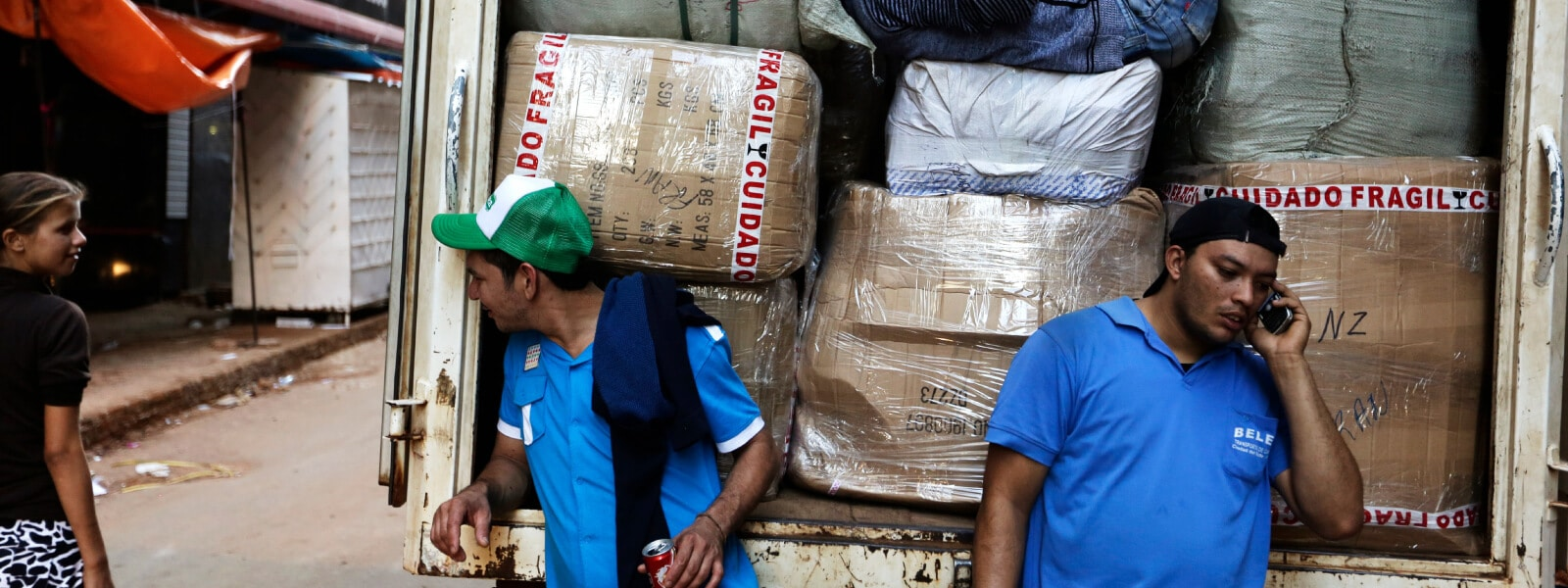 3.-Paraguay_Workers-loading-a-cargo-into-a-truck_AP_835805252595201_2015_Gamechangers.jpg